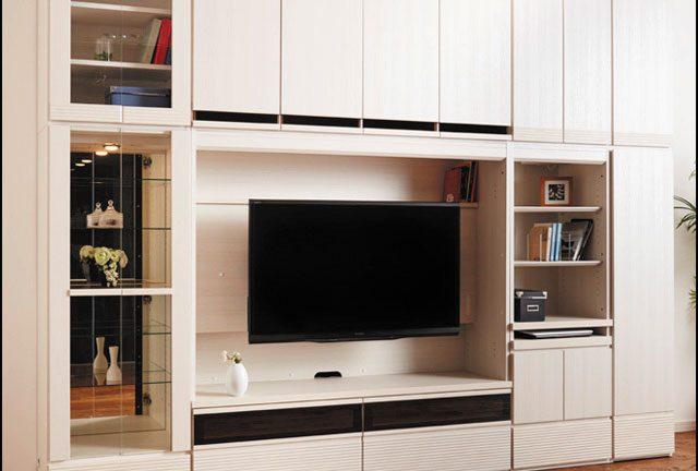 【モーブル】グリフォン 明るい床色にピッタリの白木目の奥行スッキリ壁面収納リビングボード